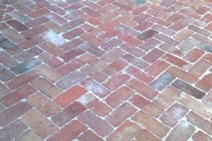 Bricklaying Paving rustic reclaimed redbrick herringbone